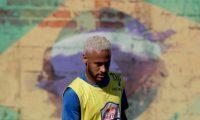 AME5963. PRAIA GRANDE (BRASIL), 13/07/2019.- El futbolista brasileño Neymar participa en la final del torneo Red Bull Neymar Jr's Five, este sábado en Praia Grande, São Paulo (Brasil). El torneo Red Bull Neymar Jr's Five es un certamen de fútbol barrial y está promovido por Neymar. EFE/ Fernando Bizerra Jr