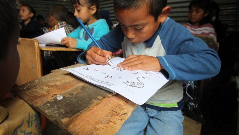 Moody's: El estado debe recaudar más e invertir para cambiar las condiciones de desarrollo en Guatemala