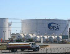 La factura petrolera alcanzó US$1 mil 439.6 millones, o sea uno Q11 mil millones que es el costo por la importación de los derivados del petróleo. (Foto Prensa Libre: Hemeroteca)