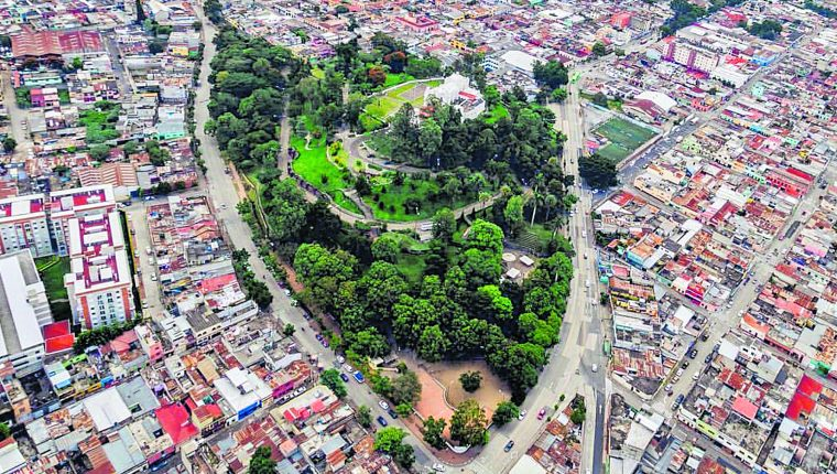 Vista aérea del Cerrito del Carmen y sus alrededores, en las  zonas 1 y 2 de la Ciudad de Guatemala. (Foto Hemeroteca PL)