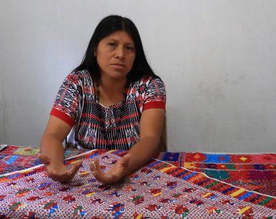 Sonia Gutiérrez lamenta que quienes han sido electos como diputados de Escuintla no hayan actuado para cambiar la realidad del departamento. (Foto Prensa Libre: Carlos Enrique Paredes)