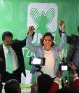 Sandra Torres, presidenciable de la UNE, logró el apoyo de Juan Fernando López, alcalde electo de Xela. (Foto Prensa Libre: Mynor Toc)