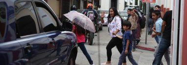 El plan 1 por 1 que implementó la Policía Municipal de Tránsito de Xela busca ordenar el tránsito en la zona 1. (Foto Prensa Libre: Mynor Toc)