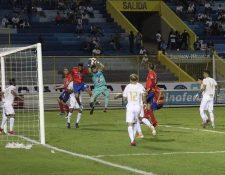Municipal cayó contra el Alianza en el primer partido de la Copa Premier Centroamericana. (Foto Prensa Libre: La Red).