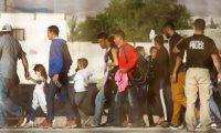 Migrantes en la frontera Ciudad Juárez-El Paso. (Foto Prensa Libre: AFP)