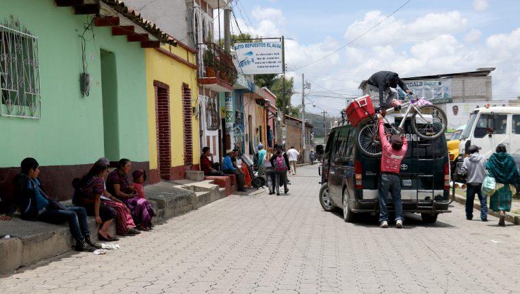 En Chiantla, familiares de migrantes en Estados Unidos temen ser afectados si se cumplen las amenazas del presidente Donald Trump.(Foto Prensa Libre: Mike Castillo)