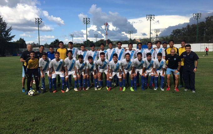 La Selección Sub 15 es dirigida por Rigoberto Gómez. (Foto Prensa Libre: Twitter @juvenilesgt)