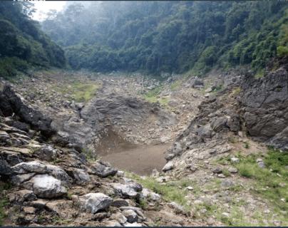 Laguna de Sepalau seca por la falta de lluvia. (Foto Prensa Libre)