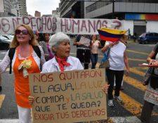 El gobierno de Maduro mantiene a miles de manifestantes en las calles que piden su dimisión. (Foto Prensa Libre: Hemeroteca)