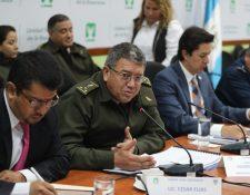 Viceministro de Defensa, Gustavo Méndez, fue citado  por la bancada UNE. (Foto Prensa Libre: Erick Ávila)