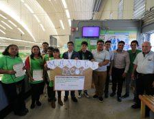 Personal de supermercados es capacitado para trabajar junto a personas con capacidades diferentes. (Foto Prensa Libre: Cortesía)