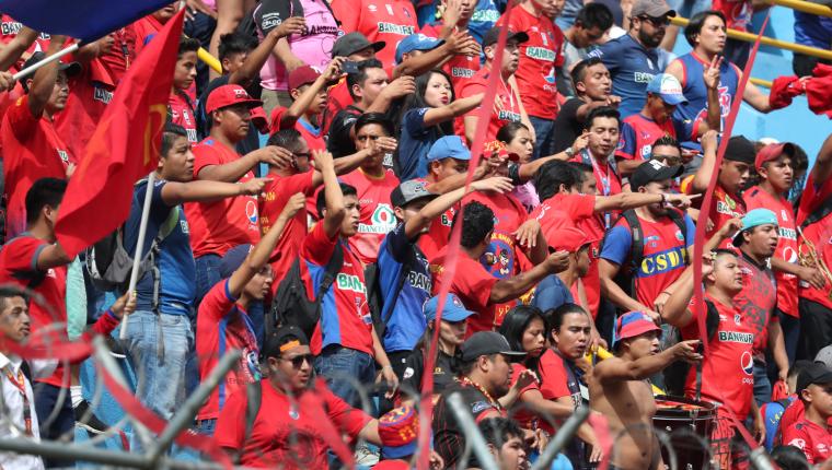 En el Clásico 306, Municipal reunió a más de 11 mil aficionados en el Doroteo Guamuch Flores. (Foto Prensa Libre: Francisco Sánchez)