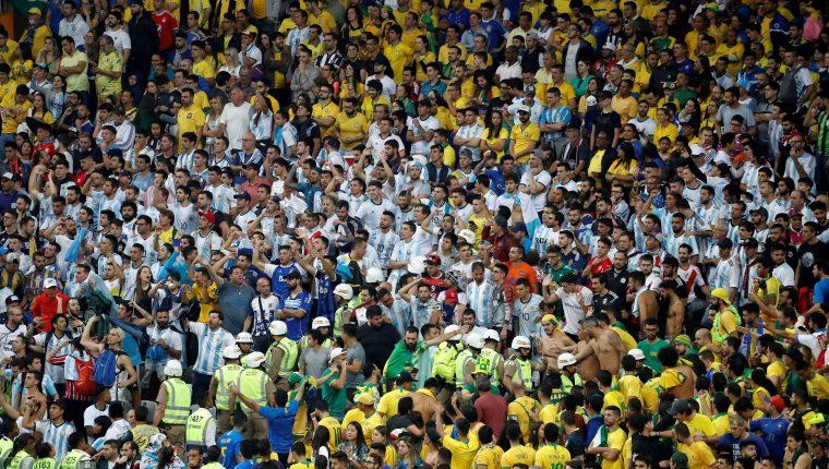 La Copa América ha tenido el respaldo de los aficionados locales y visitantes (Foto Prensa Libre: EFE)