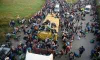 La llegada masiva de inmigrantes a México a causado hacinamiento en ciudades como Tijuana. (Foto Prensa Libre: AFP)