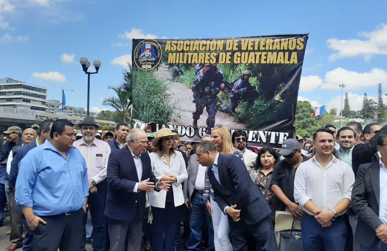 Zury Ríos presiona ante la CSJ para apoyar a abogado que pide que se repitan las elecciones