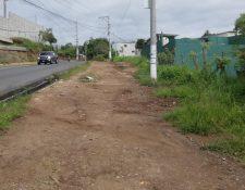 La ampliación de carriles no ha tenido avance, aunque la comuna dice lo contrario.(Foto Prensa Libre: José Patzán)
