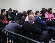 Los acusados escucharon las primeras conclusiones de la defensa en la megasala. (Foto Prensa Libre: Érick Ávila)