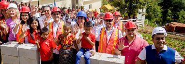 El Centro de Capacitación Técnica en el caserío Asunción Chivoc, San Juan Sacatepéquez, se espera esté construido a finales de diciembre. (Foto Prensa Libre: Cortesía Passion Asociación)