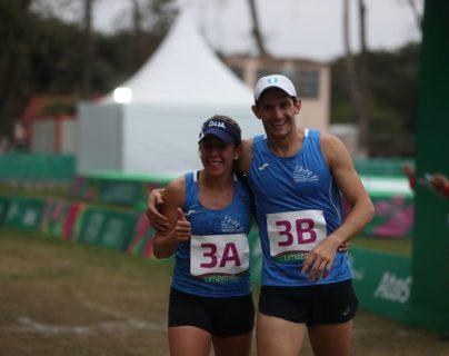 Diéguez y Fernández celebraron al final de la prueba combinada. (Foto Prensa Libre: Carlos Vicente)