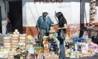 En el país ingresa producto de contrabando por varios puntos ciegos desde México, que es una de las causas de la evasión del IVA doméstico que registra las operaciones de consumo. (Foto Prensa Libre: Hemeroteca)
