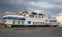 EL crucero de expedioción National Geographic Quest abordó 96 turistas en el Puerto Santo Tomás de Castilla, Puerto Barrios, Izabal, utilizandolo por primera ocasión como Home Port.