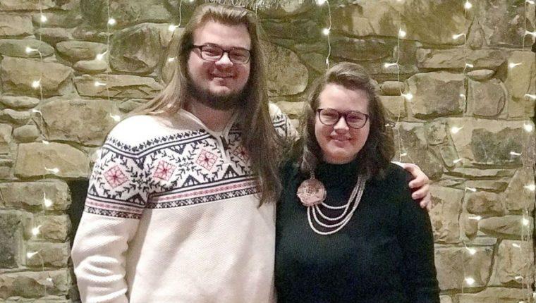 Seth Washam, de 18 años, falleció y su hermana Emma, de 19, resultó herida después de un cortocircuito en una piscina. (Foto Prensa Libre: Cortesía Universidad Carson-Newman)