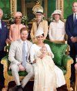 El príncipe Harry y Meghan Markle comparten fotos oficiales del bautizo de su hijo Archie. Foto Prensa Libre/Hola