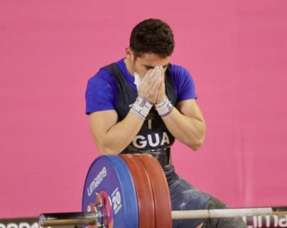 Édgar Pineda Zeta celebra después de levantar 165kg. (Foto Prensa Libre: Cortesía COG)