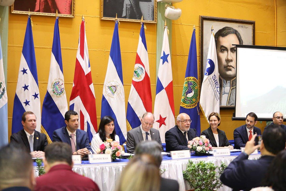 Centroamérica y Guatemala firman TLC con Reino Unido