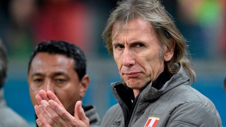 El entrenador argentino Ricardo Gareca es el gran amuleto de la Selección de Perú (Foto Prensa Libre: AFP)