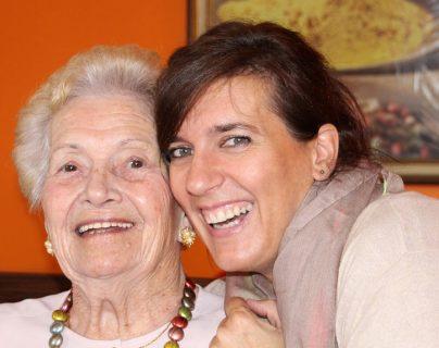 Cada persona en el grupo familiar tendrá dudas y temores al momento de confirmarse un diagnóstico de Alzhéimer.  Buscar ayuda y educarse es un paso primordial.  (Foto Prensa Libre: Pixibay).