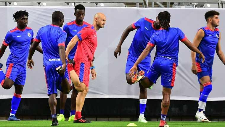 La Selección de Haití enfrentará hoy, 20.30, a México en busca del boleto a la final de la Copa Oro. (Foto Prensa Libre: AFP).