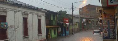 Calles inundadas en la cabecera departamental de San Marcos. (Foto Prensa Libre: Conred)