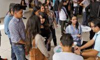 Miles de jóvenes buscan una oportunidad laboral, según el sector de empresarios el trabajo de tiempo parcial es una opción. (Foto, Prensa Libre: Hemeroteca PL)