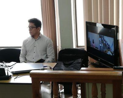 Uno de los testigos declaró por videoconferencia en el juicio a Mirna Elizabeth Juárez Argueta, conocida como La Rancherita y Édgar Danilo Xiloj Rivera. (Foto Prensa Libre: Kenneth Monzón)