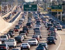 La agencia de control migratorio solicitó el acceso a las bases de datos de las licencias de conducir a las autoridades de Utah, Vermont y Washington para buscar a indocumentados. (Foto Prensa Libre: Hemeroteca PL)