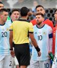 El delantero del FC Barcelona, habitualmente medido en sus declaraciones, volvió a explotar el sábado después de ser expulsado, en un lance con Gary Medel, quien también vio la roja, en la primera parte del partido que ganó Argentina a Chile (2-1) por el tercer puesto. (Foto Prensa Libre: AFP)