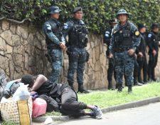 El 12 de junio último el Instituto Nacional de Migración expulsó a 90 inmigrantes haitianos de tenidos en la capital. (Foto Prensa Libre: Hemeroteca PL)