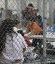 Niños migrantes en un centro de detención de EE. UU. (Foto Prensa Libre: Hemeroteca PL)