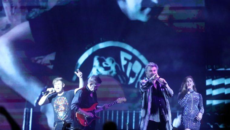 """El artista mexicano Mijares cantó el tema """"Mujeres"""" de Ricardo Arjona, durante un concierto en Guatemala. (Foto Prensa Libre: Keneth Cruz)"""