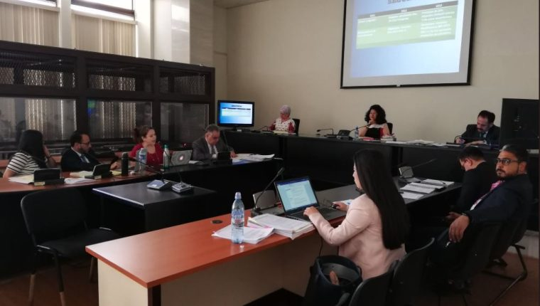 El Tribunal de Mayor Riesgo A, presidido por Yassmin Barrios. (Foto Prensa Libre Kenneth Monzón)