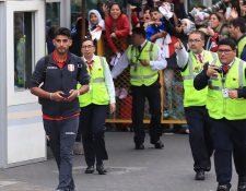 Los aficionados peruano aplaudieron a sus jugadores tras su arribo al país, después de terminar segundos en la Copa América. (Foto Prensa Libre: EFE).