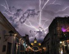 La tormenta eléctrica vista desde Antigua Guatemala, Sacatepéquez. (Foto Prensa Libre: Iván Hernández)