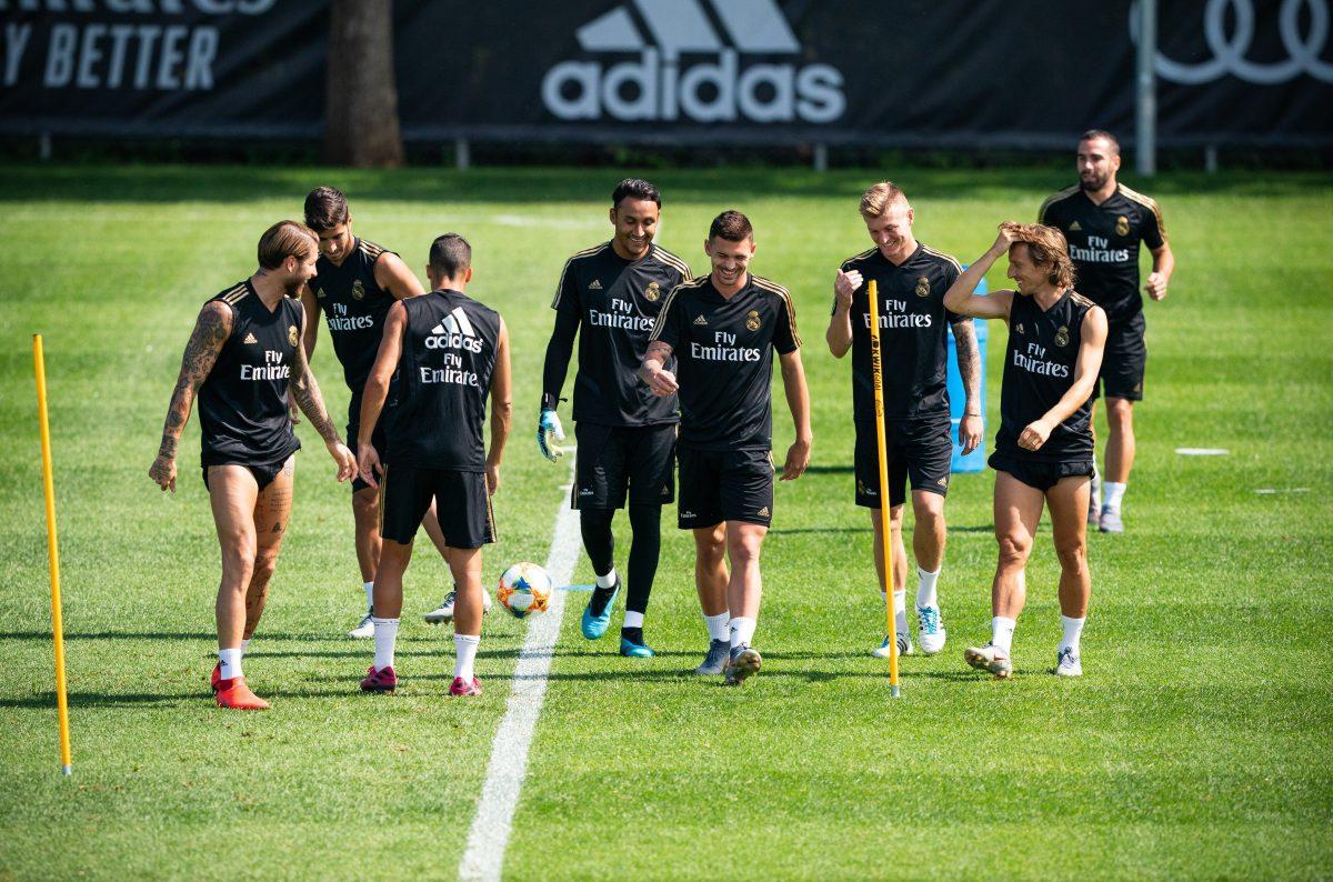 Zinedine Zidane presenta a su nuevo Real Madrid contra el Bayern Múnich en Houston