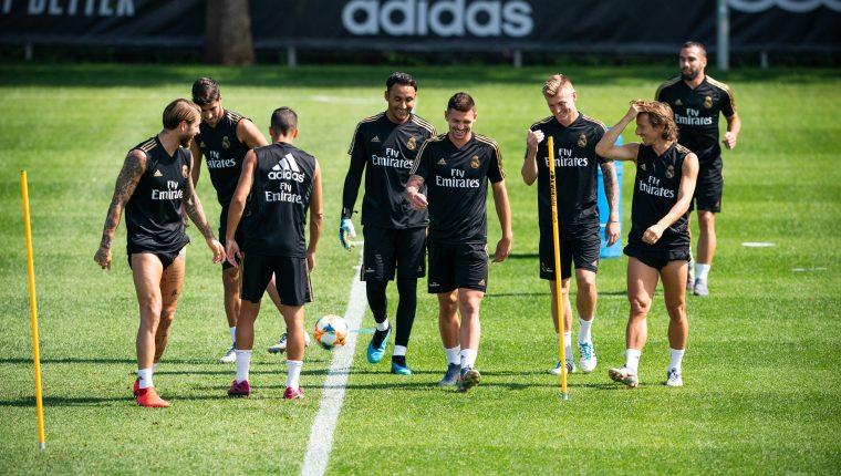 Los jugadores del Real Madrid participaron ayer en su última jornada de entrenamientos de la pretemporada, en las instalaciones del Montreal Impact, en Montreal (Canadá). Ahora se alistan para afrontar su primer amistoso de pretemporada contra el Bayern de Múnich (Foto Prensa Libre: EFE)