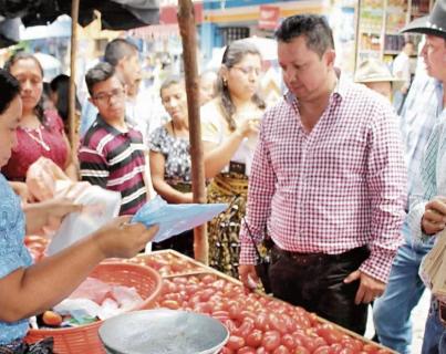 Santiago Atitlán, Sololá, es uno de los municipios donde se prohibió el uso de plásticos.(Foto Prensa Libre: Hemeroteca PL)
