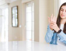 La artritis reumatoide afecta en especial a las mujeres y los síntomas suelen presentarse desde los 15 años. (Foto Prensa Libre: Servicios).