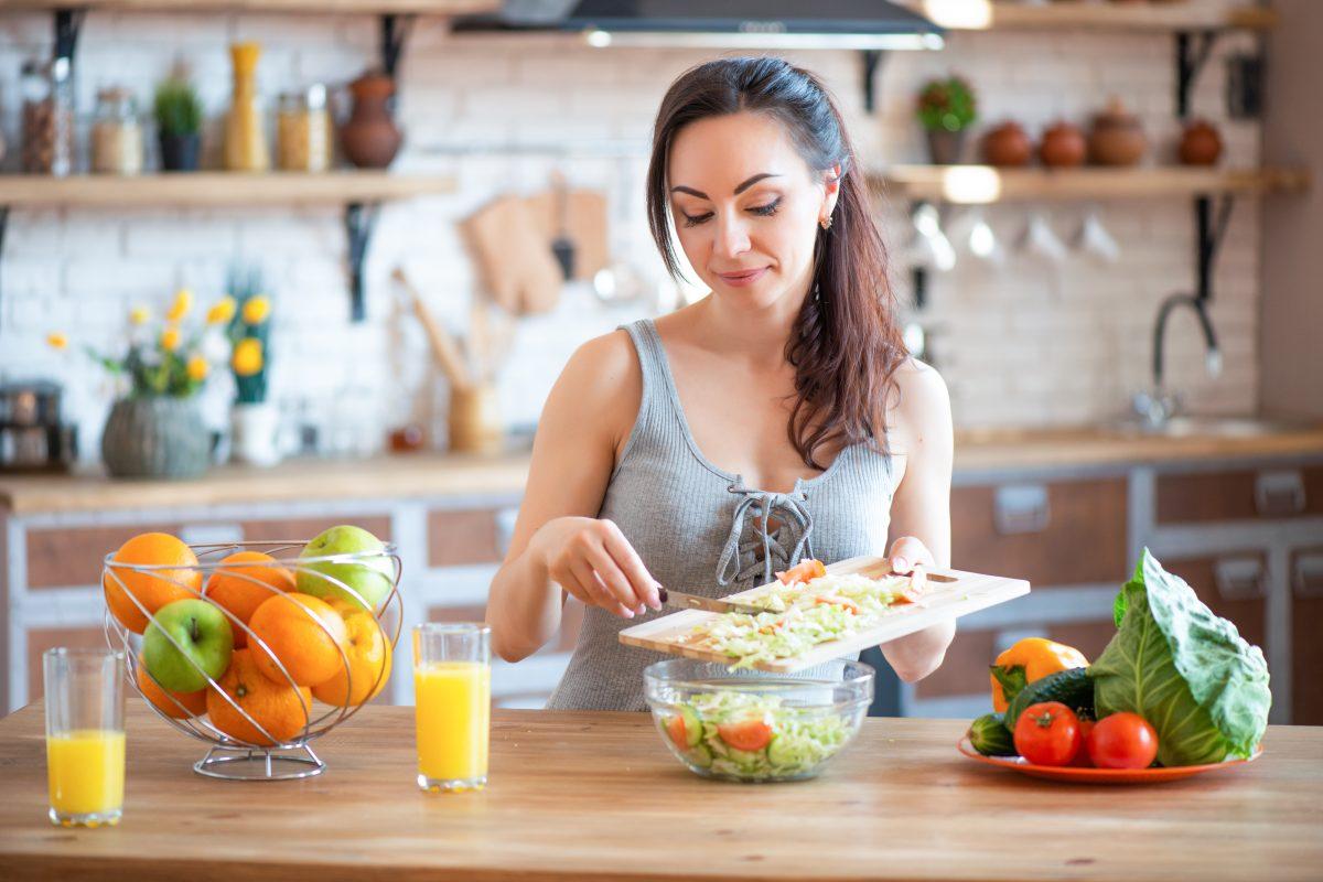 Hábitos para mejorar la digestión y evitar problemas estomacales