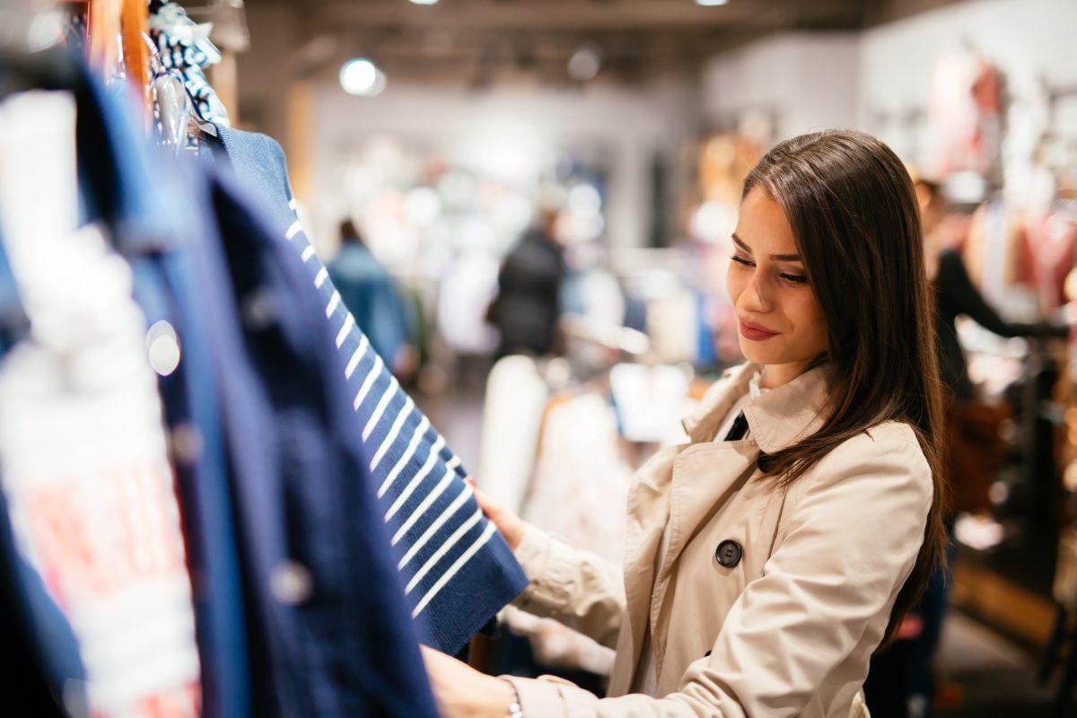 Tips para comprar ropa y zapatos en oferta