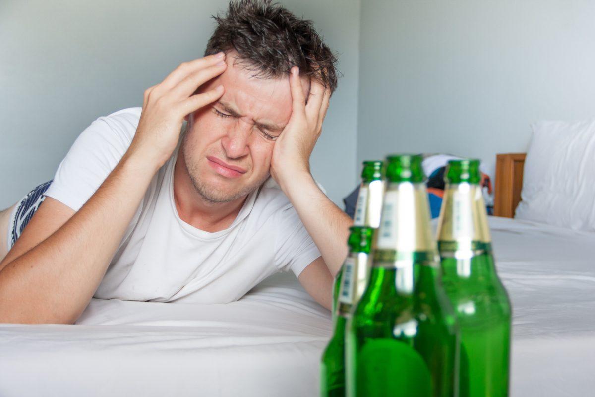 ¿Cómo puede el alcohol perjudicar sus ciclos de sueño?